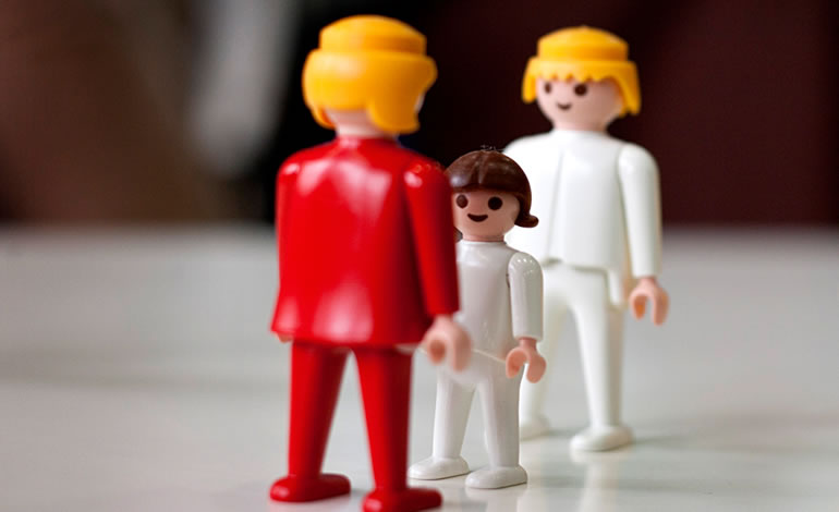 contratacion de familiares